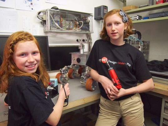 Sisters Camille (13) & Genevieve (11) Beatty built a 700-component MARS ROVER in their garage! So very cool. #Mars