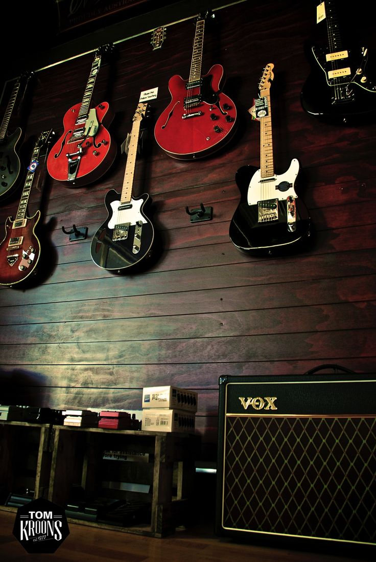 Vox, Guitar Amps, Electric Guitars, Music, Music Instrument Shop