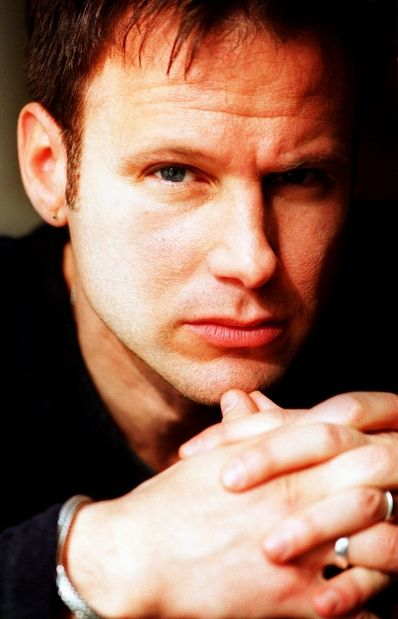 Corey Hart urges heritage lovers to never surrender Calgary service station #yyc