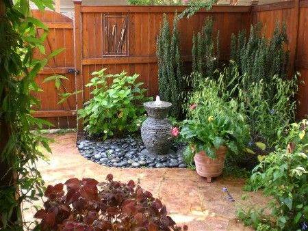 Low maintenance front yard ideas low maintenance for Small no maintenance garden