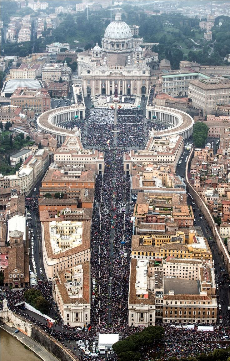 The streets were crowded in Vatican City as Pope Francis led a Canonization Mass to declare John Paul II in #Rome