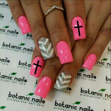 Cross chevron nail