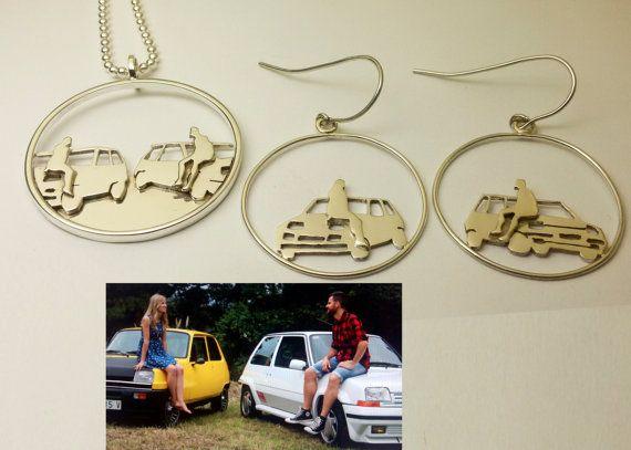 Regalos originales para unos novios diferentes. Joyas personalizadas a partir de fotos, en este caso, para unos amantes de los coches. Personalizados a partir de fotos.