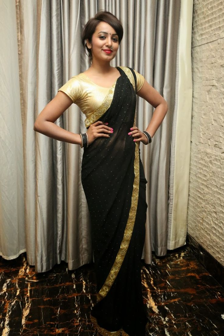 Chiffon+Lace+Work+Plain+Black+Saree+-+Mf015 at Rs 728