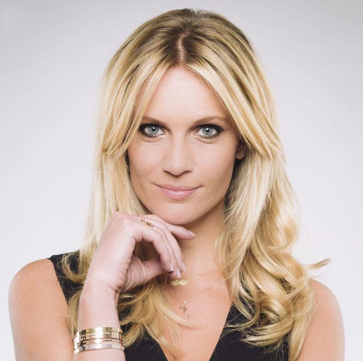 Sandrine Corman, l'animatrice de télé belge sera de retour sur vos écrans à la rentrée ! Mais pour l'heure, l'ex-Miss Belgique se confie sur son...