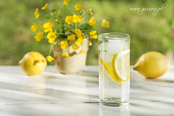 Chilled Drink with Mint and Lemon