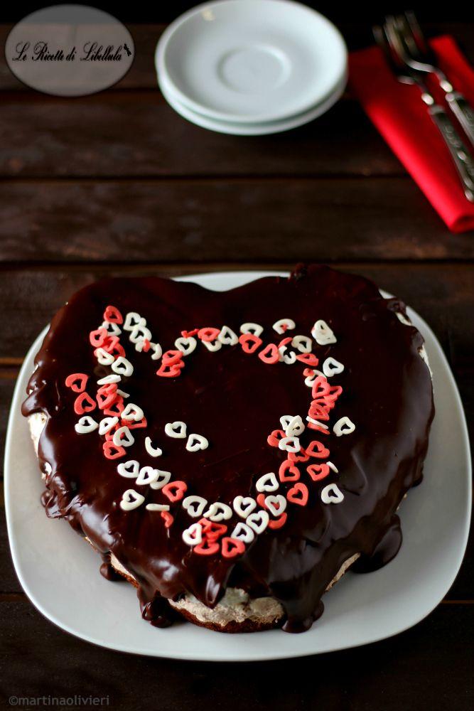 torta a cuore ai tre cioccolati