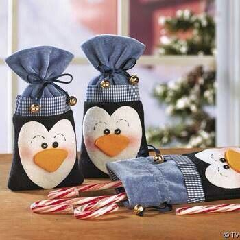 #Gift Wrap Ideas ~penguins. These are so cute...easy to make from felt  <3 this idea