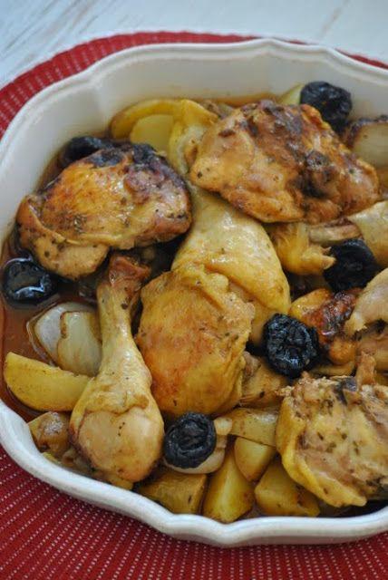 Pollo in umido con prugne secche e patate
