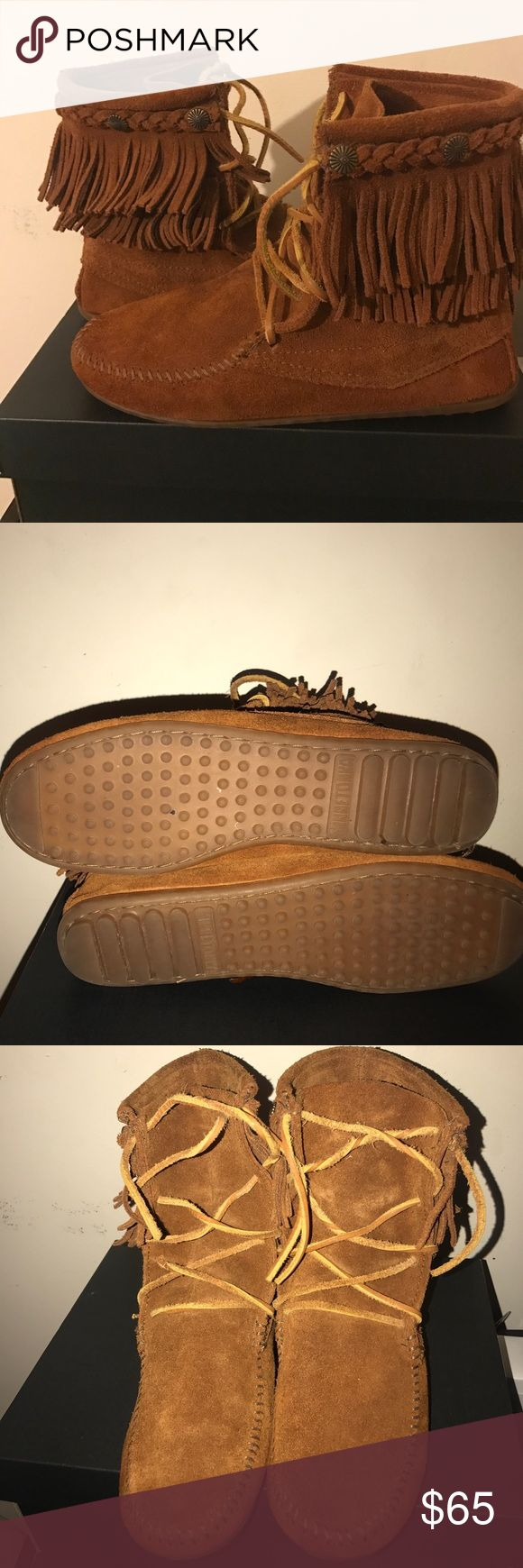 Minnetonka Moccasins ankle boots!! SIZE 8! BOOTS ONLY WORN TWICE, IN GREAT CONDITION Minnetonka Shoes Ankle Boots & Booties