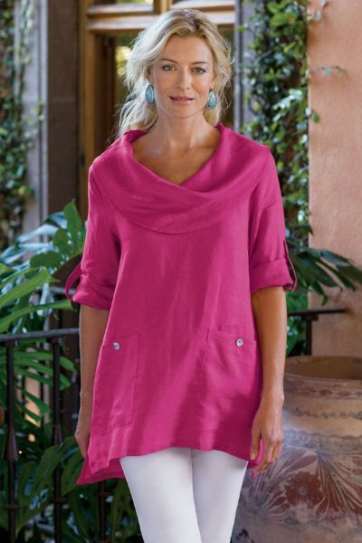 In the softest blend of linen, our Mayfield Tunic has a dropped-tail hem and a gorgeous drapey cowl neckline.