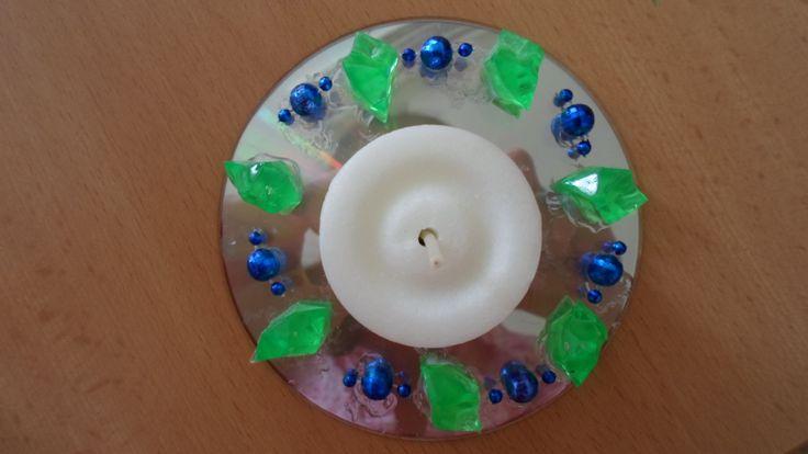 Svícen pro maminky z CD - vyráběli prvňačci