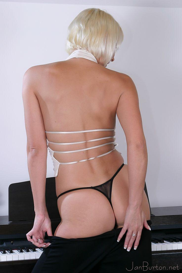 Ashlee bikini pic simpson