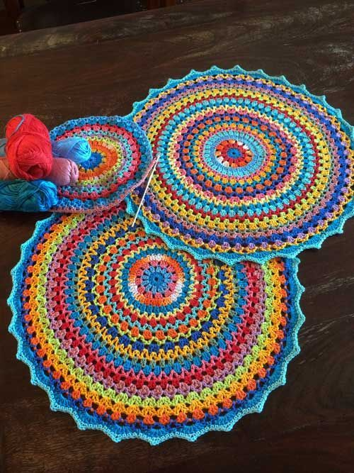 Beautiful Mandala. Pattern in Dutch but could probably be translated.«»