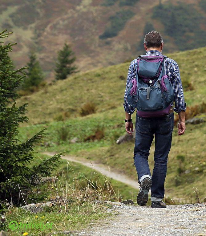 Das Wandern ist nicht nur des Müllers Lust.  Viele Touristen erfreuen sich im Urlaub an interessanten und auch anspruchsvollen Wanderwegen. Der Grund hierfür liegt auf der Hand: man ist an der frischen Luft in Bewegung und sieht dabei auch noch traumhafte Landschaften.  Falls Du deinen Urlaub mit ein wenig Expedition garnieren möchtest, greifen wir Dir bei Travelyst.de gern unter die Arme und verraten Dir die besten Destinationen rund um den Globus.  Schau mal vorbei!