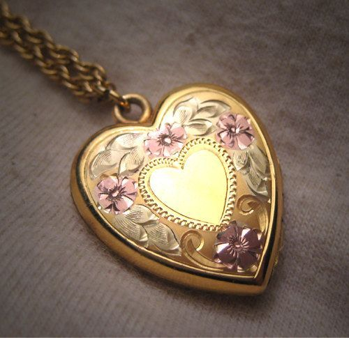 Antique Victorian Gold Heart Locket Necklace Vintage Rose and Green Gold, c.1920.  Antique jewelry, vintage jewelry, heart locket, antique necklace, wedding bridal, rose gold, floral flower, drop necklace, pendant and chain, fine jewelry, estate jewelry, gift idea.  Offered by Aawsomblei antique jewelry.