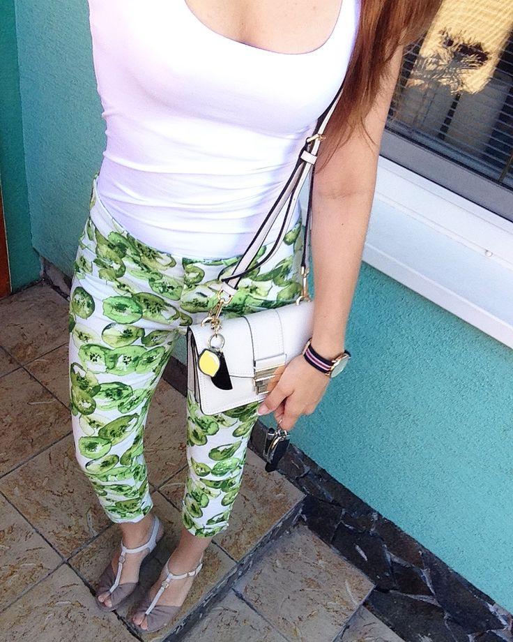 #fashion #fashionstyle #fashionwoman #fashionlover #fashioncombination #fashioninspiration #style #stylewoman #stylelover #styleinspiration #stylecombinations #outfit #outfitinspiration #zara #zarabag #zaratrf #zaratop #zaralook #zaralover #zarastyle #zarafashion #zaratotallook