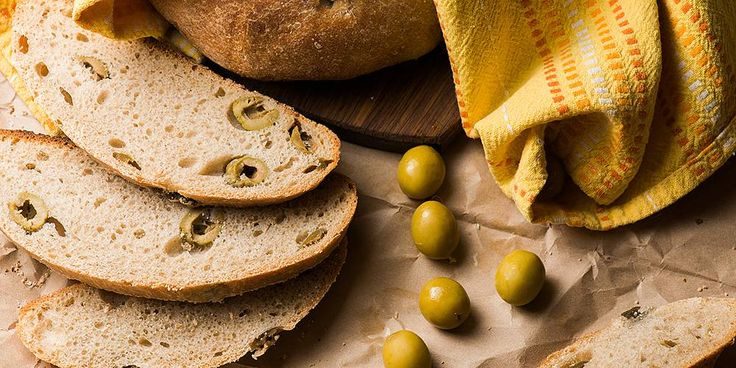 Пшеничный хлеб с оливками