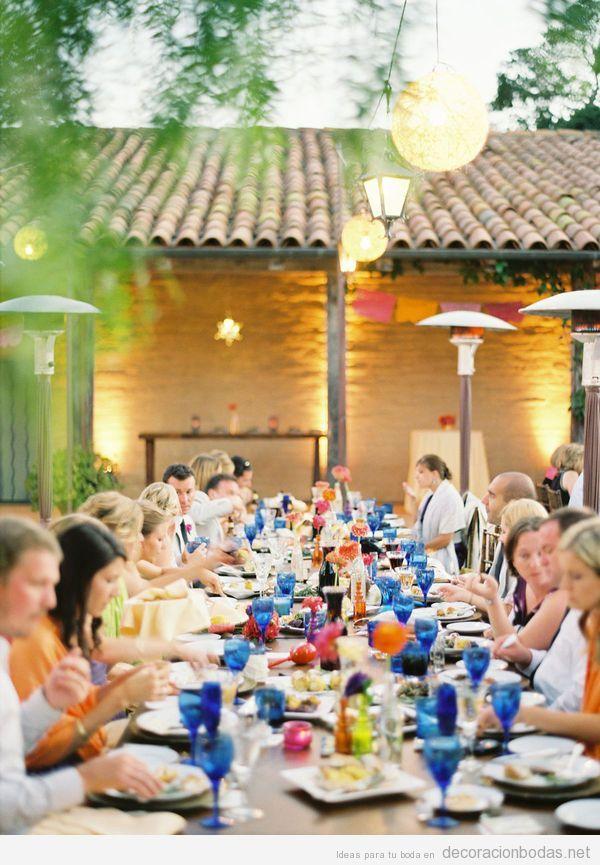 Decoraci n de una mesa boda en el jard n con cristaler a for Arreglos de mesa para boda en jardin