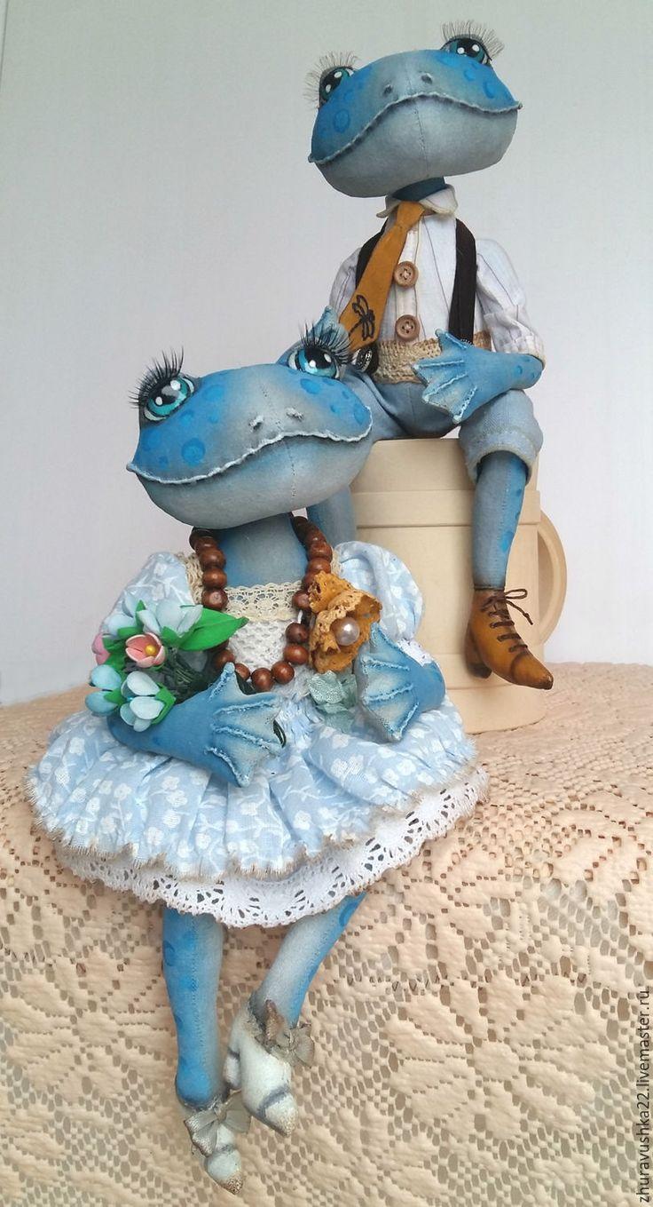 Купить Парочка голубых лягух. Текстильная кукла. - голубой, лягушка, интерьерная кукла, интерьерная игрушка