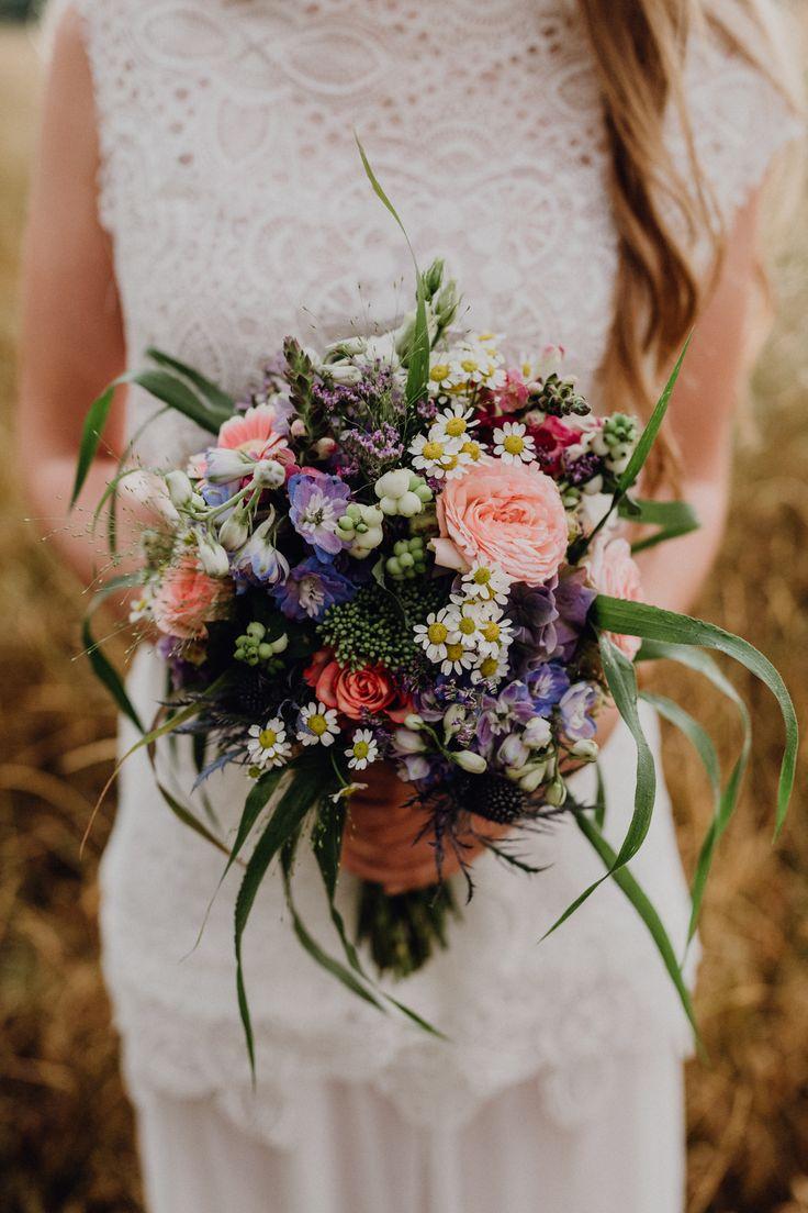Ideen für eine Midsommar Hochzeit in Blau und Weiß