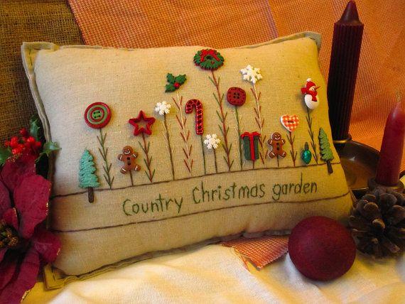 Esta almohada de costura hecho a mano muselina Navidad es perfecta para la decoración de vacaciones y celebrando la temporada! El tamaño es de aproximadamente 14.5 x 8.