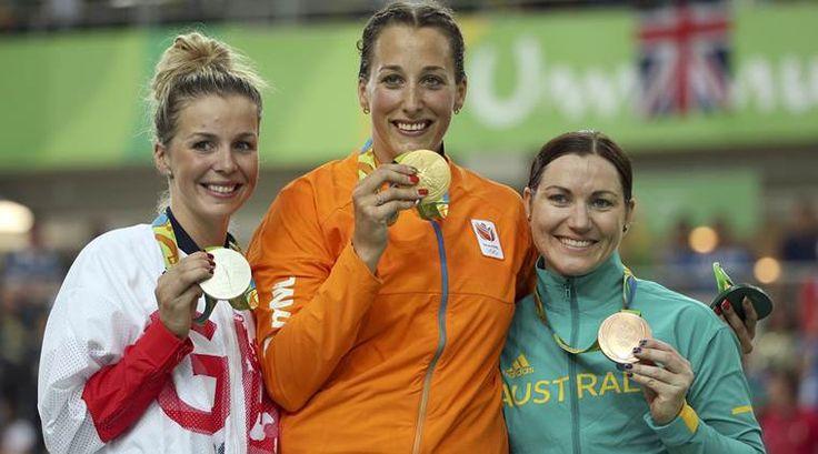 Elis Ligtlee, Nederländerna vann guldet i damernas cykel keirin 11.217, silver Rebecca James, Storbritannien +0.033, brons Anna Meares, Australien +0.038.
