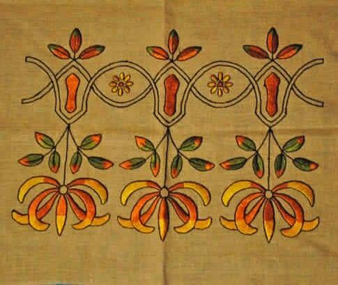 Arts & Crafts - Florals - Embroidery - Linen - Textile - Pillow