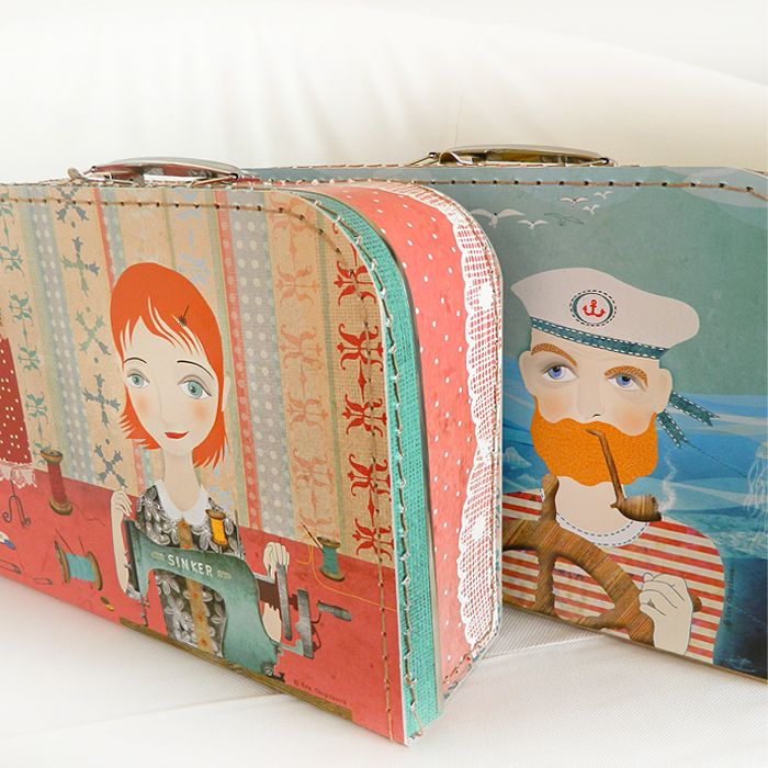 Dětský kufřík - Švadlenka Pro velký zájem opět vystavuji dětské kufříky. Dodací lhůta je nyní 14 dnů! Do začátku školního roku vyřídím všechny objednávky! Děkuji!  S radostí představuji výsledek spolupráce s firmou Kazeto s.r.o., která je od roku 1926 tradičním českým výrobcem kufříků z lepenky. Kazeto mne oslovilo s nápadem vytvořit novou kolekci. ...