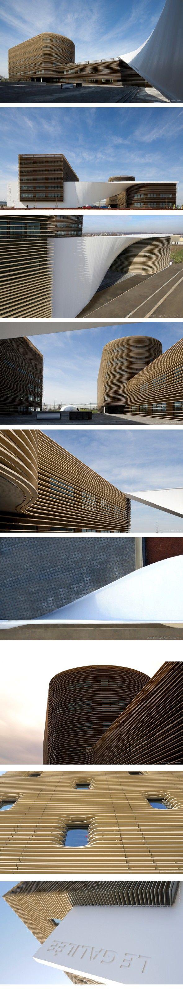 Le Galilée par le Studio Bellecour. Le Galilée a été conçu par le Studio Bellecour et fonctionne principalement comme un immeuble de bureaux. Il est placé