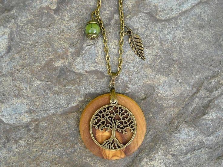 Cadenas y collares - collar madera de olivo árbol y jade hoja bronce - hecho a mano por Alentejoazul en DaWanda