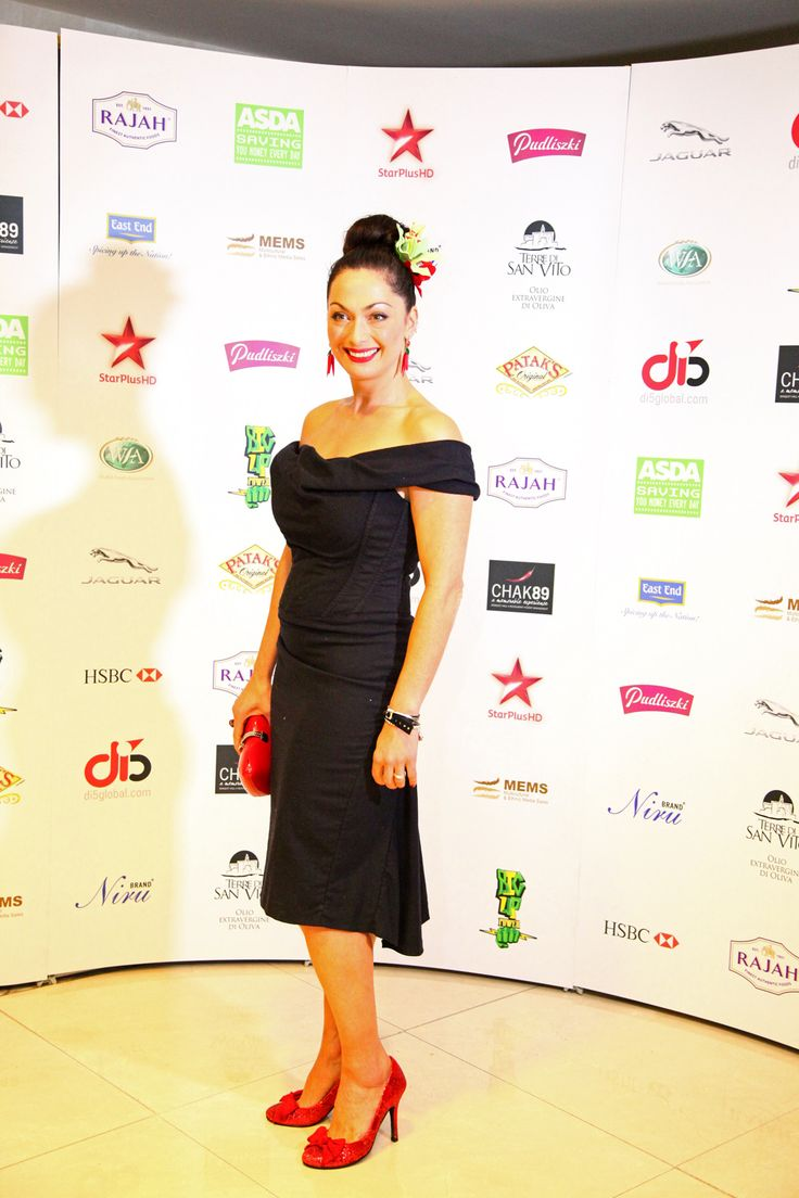 RP by: See favorite chef's in your #kitchen - suction-mount, messproof http://splashtablet.com #ipadcase Celebrity chef Tonia Buxton at the 4th Annual World Food Awards