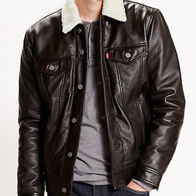 "#Levis ""The Leather Sherpa Trucker Red"" #cazadora #chaqueta #abrigo #jacket #coat #levistrucker #levisjacket #novedad #nuevo #nuevacoleccion #newcollection #AW15  http://www.rivendelmadrid.es/shop/catalogsearch/result/?q=Trucker"