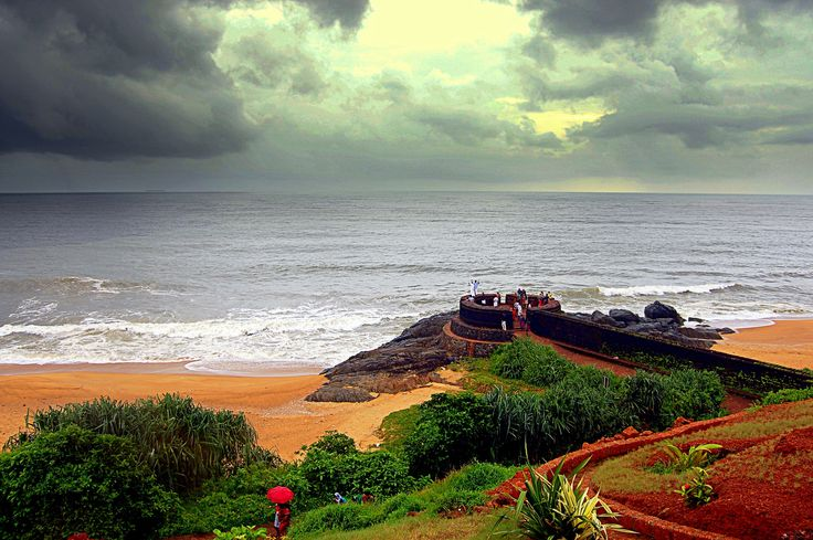 The 300-year-old #Bekal #Fort, is one of the largest and best-preserved forts in Kerala. Surrounded by a splendid beach, the historic Bekal Fort offers a superb view of the #ArabianSea from its tall observation towers.