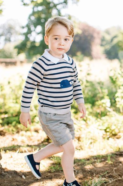 Aujourd'hui, le prince George de Cambridge fête ses 3 ans. Troisième dans l'ordre de succession au trône d'Angleterre, le royal baby a…