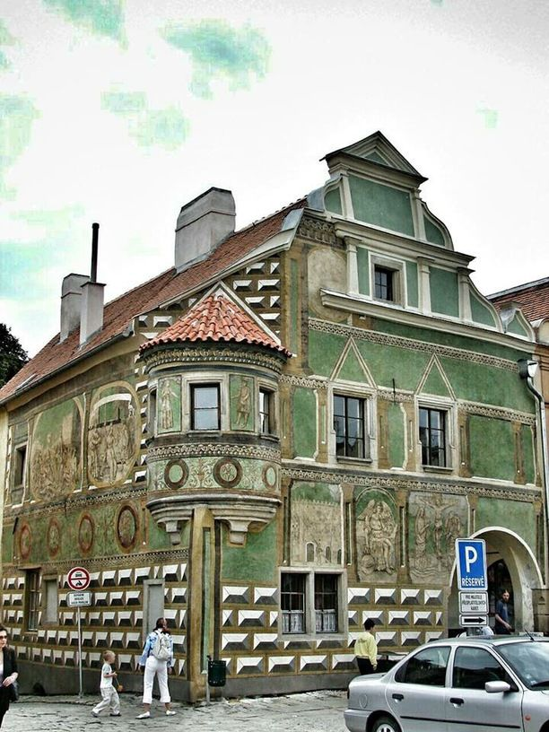 Very unique house (No. 15) in the square. According to Telc.eu, the official website of Telc, House No 15 is