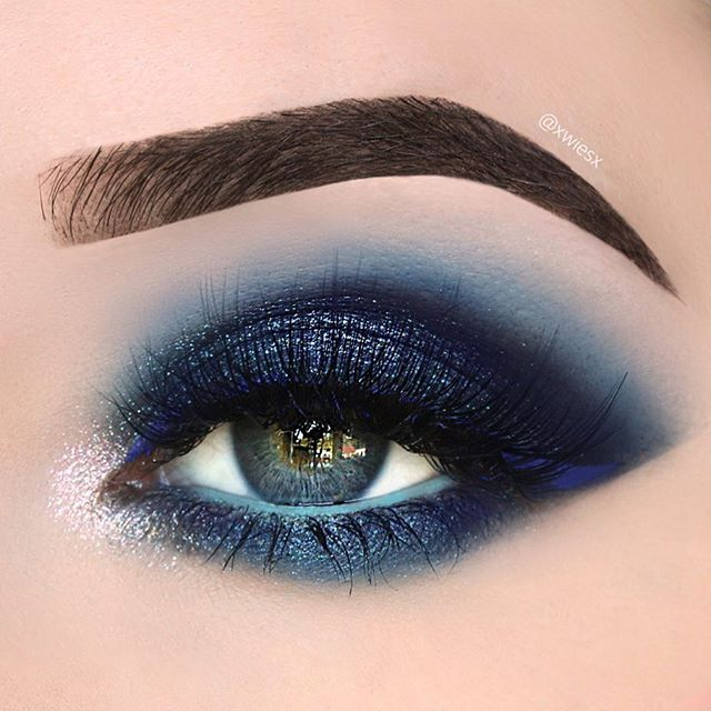 #100daysofmakeupchallenge day 32/100 Some blue sparkle makeup 1. @anastasiabeverlyhills ashbrown dipbrowpomade @norvina  2. @urbandecaycosmetics Electric palette: Chaos & Gonzo 3.  @urbandecaycosmetics Moondust palette Vega & Specter 4. @makeupgeekcosmetics Corrupt eyeshadow  5. @makeupgeekcosmetics Full Spectrum Mint eyeliner  6. @limecrimemakeup Lazuli liquid liner 7. @lapaigetrends Tanzanite lashes