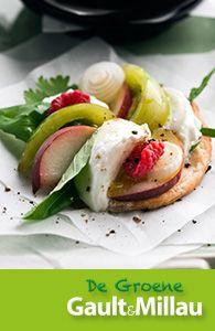 http://www.deweekvangroentenenfruit.info/downloads/recepten/Restaurant-Les-Filles-Plaisirs-Culinaires.pdf - Taartvangroenetomaat–perzik-mozzarella
