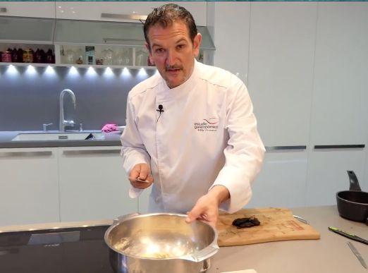 ¿Te gustaría hacer en casa tu propio pan de #CebollaNegra? https://goo.gl/f87V6M #recetas con @aitorperurena