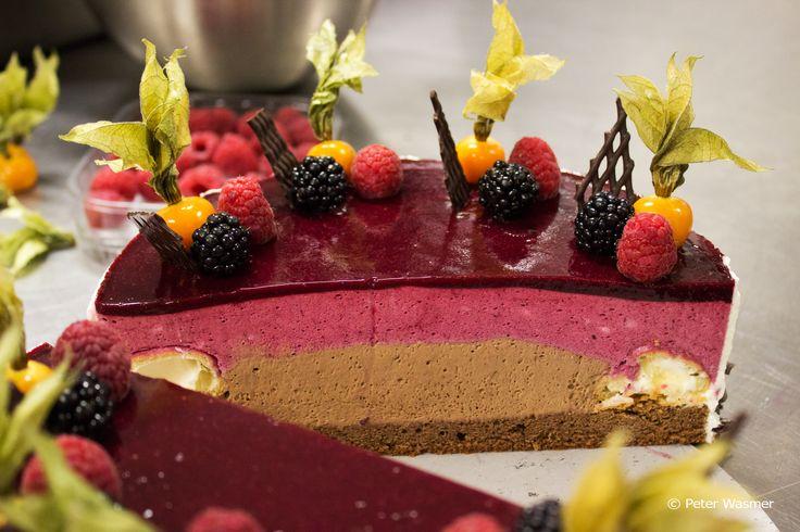 Schoko-Cassis-Torte aus dem IMLAUER Sky - Bar & Restaurant