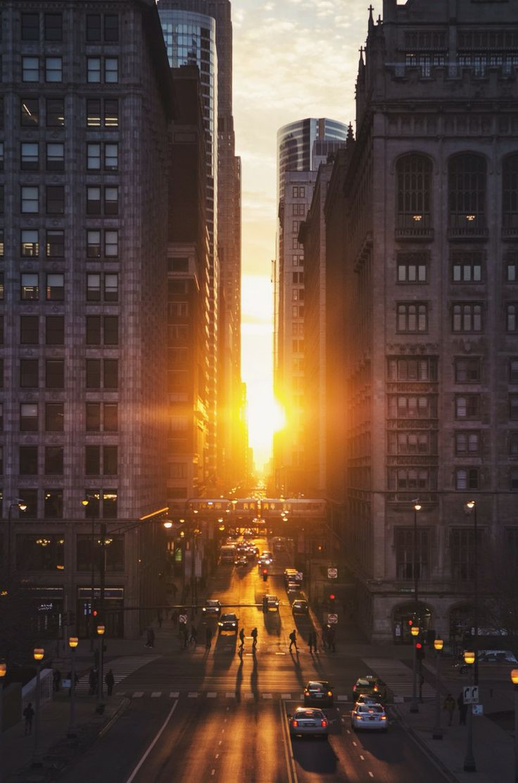 Chicagohenge: the day the sunset aligns perfectly with Chicago's east/west streets! | by Kyle Buckland (Chicago Pin of the Day, 9/23/2015).