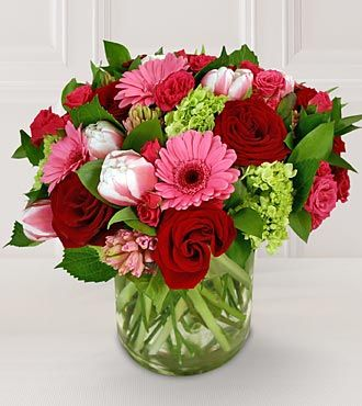 Am always looking for inspiration for my floral arrangements.  LOVE this for Valentines Day!