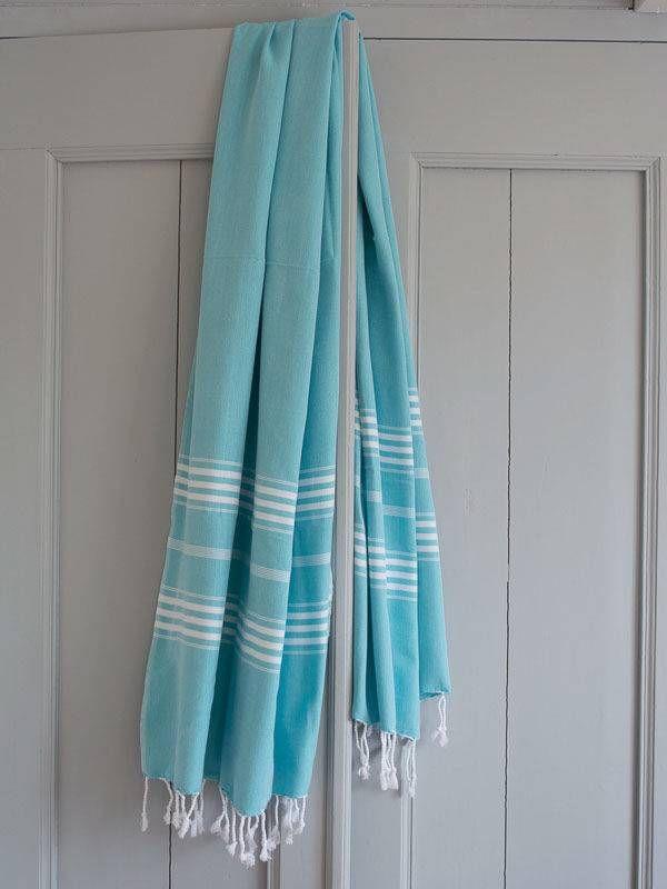 Hamamdoek nodig? Extra lange Ottomania hamamdoek XL in trendy turquoise met witte strepen. 210x100cm, lichtgewicht, compact in koffer & snel droog. Bestel nu