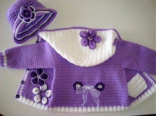 maria4311 / Bledučko fialový svetrík