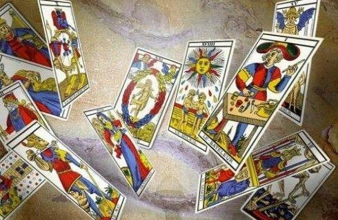 lettura dei tarocchi 24 ore su 24 !www.astroportale.it