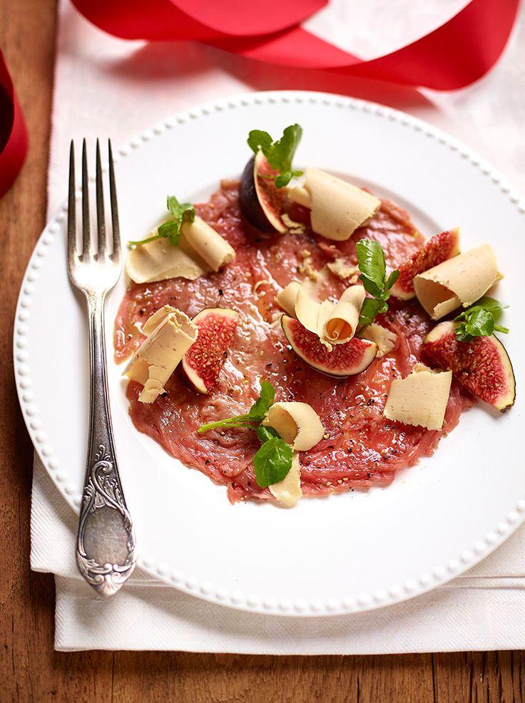 Carpaccio van rund met truffelolie, vijgen en eendenlever