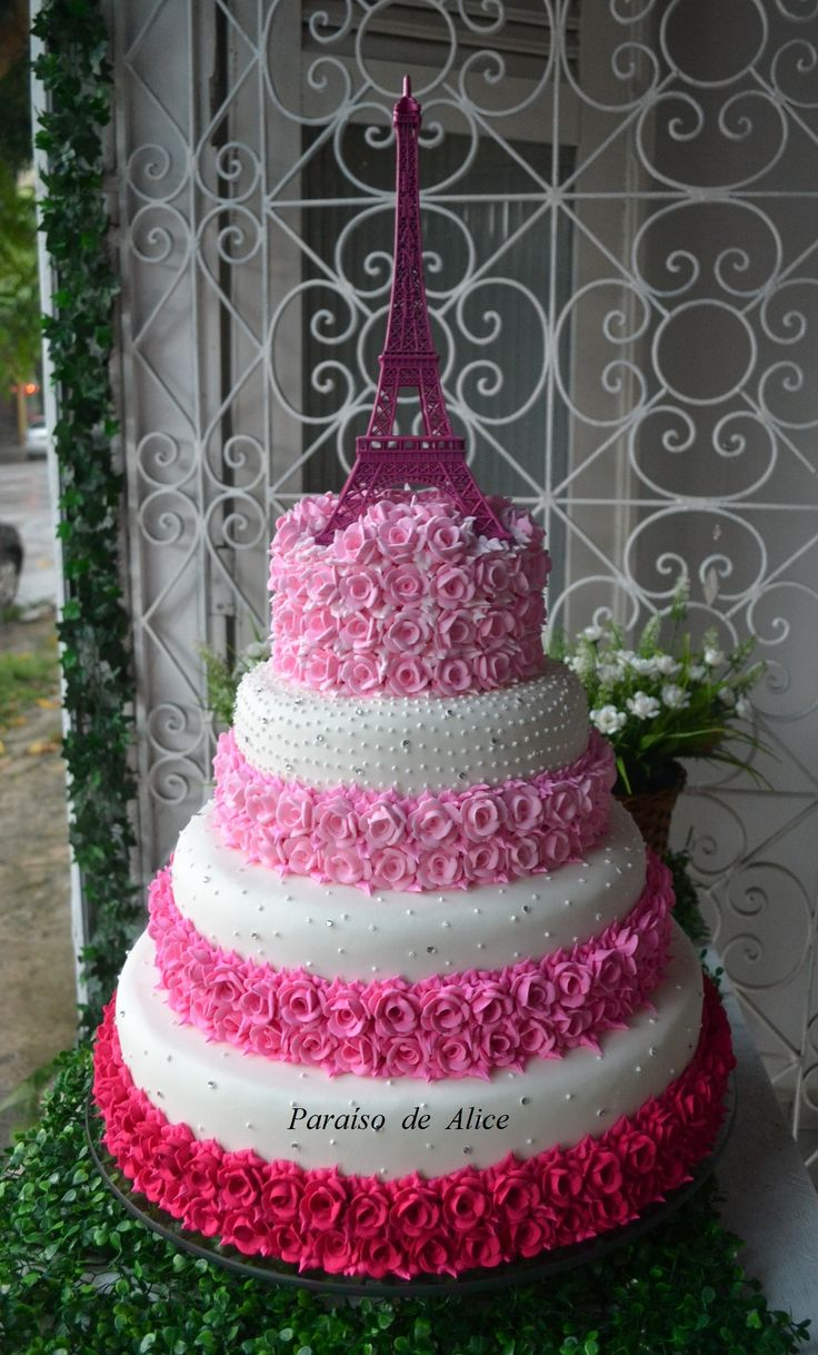 Eiffel Tower cake!