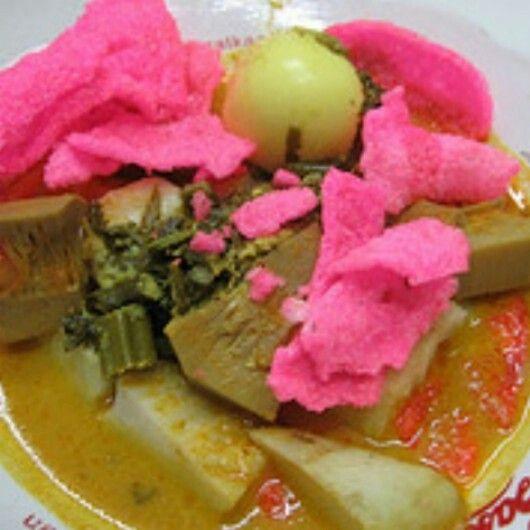 Ketupat sayur Padang.