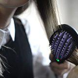 Préparez-vous à la révolution, en 1 minute votre chevelure frisée ou ondulée deviendra lisse !