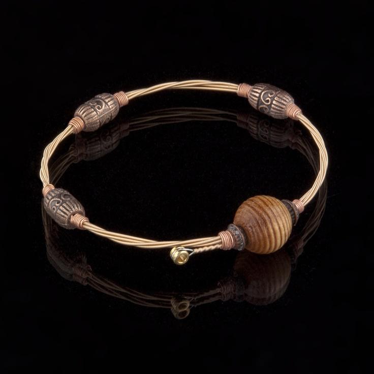 how to make a six string bracelet